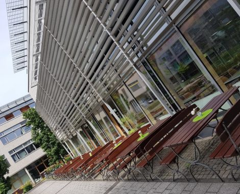 Terrasse des Bistros im Innovationspark Berlin